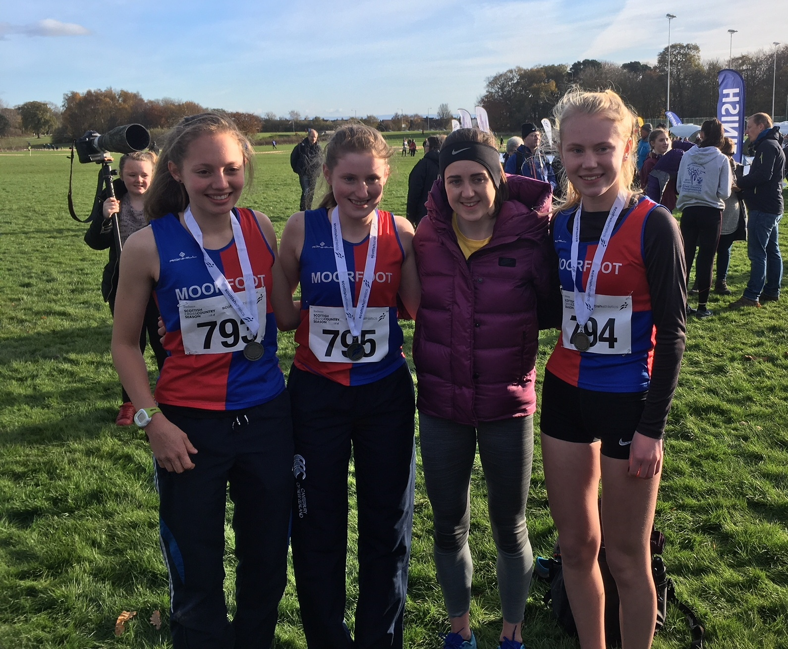 Laura Muir congratulates the Moorfoot girls