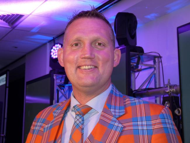 Borders rugby legend Doddie Weir will receive the award later this year